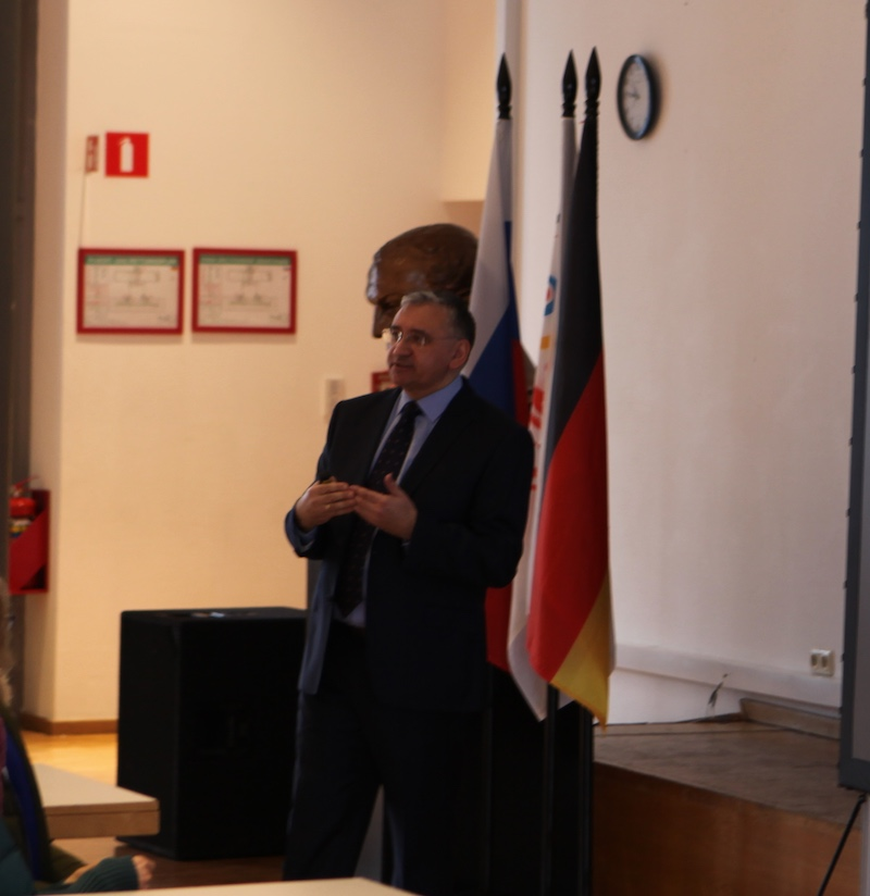 Sleep research presentation at German School in Moscow
